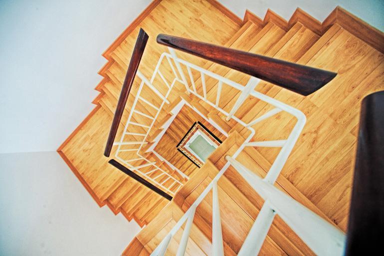 čtvercové schody