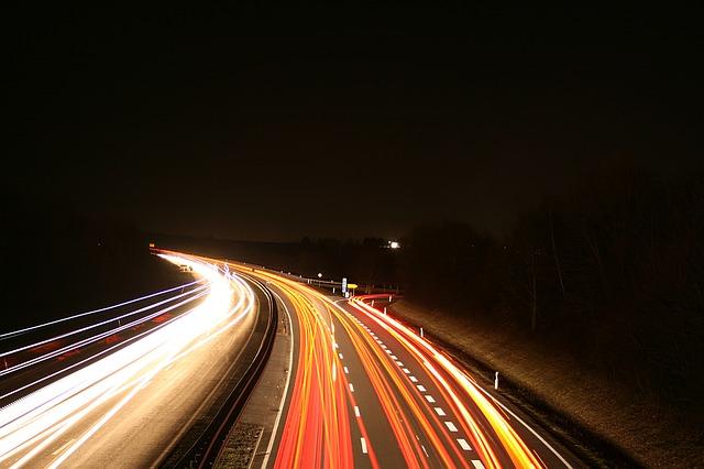 zářící dálnice