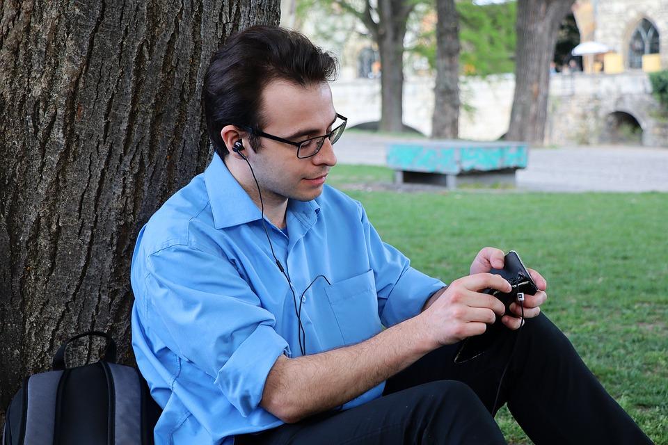 Poslech hudby přes mobil